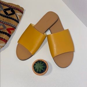 Forever 21 Mustard Yellow Slides Size 8